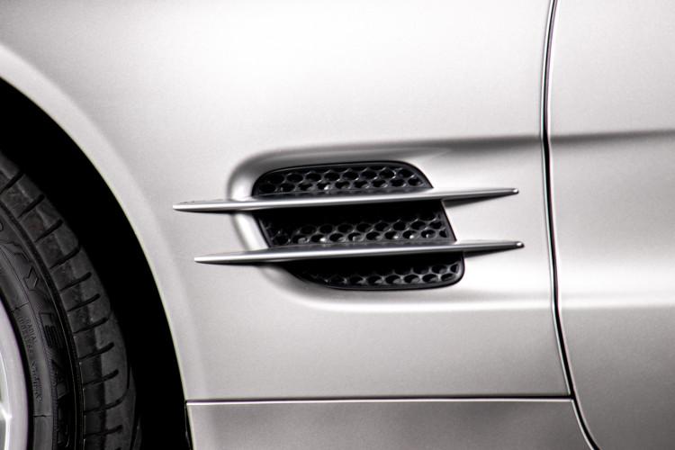 2004 Mercedes-Benz SL500 8