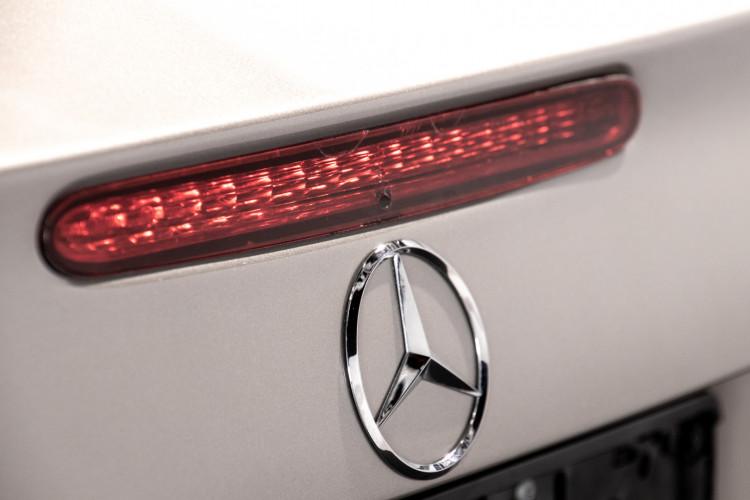 2004 Mercedes-Benz SL500 11