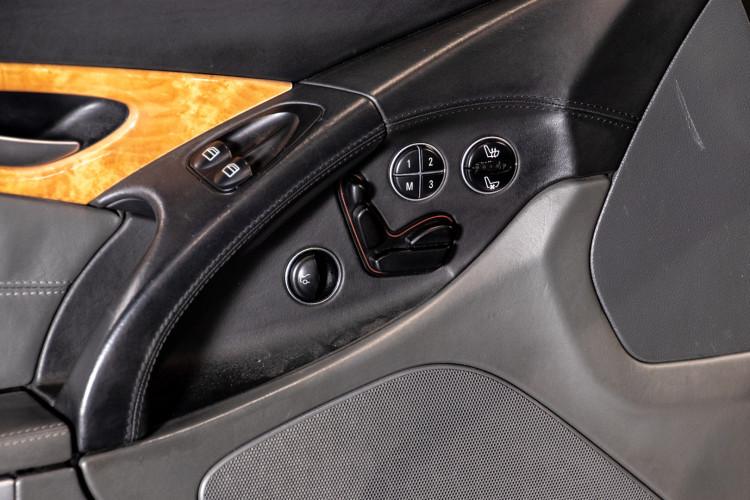 2004 Mercedes-Benz SL500 17