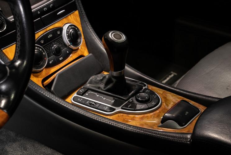 2004 Mercedes-Benz SL500 22