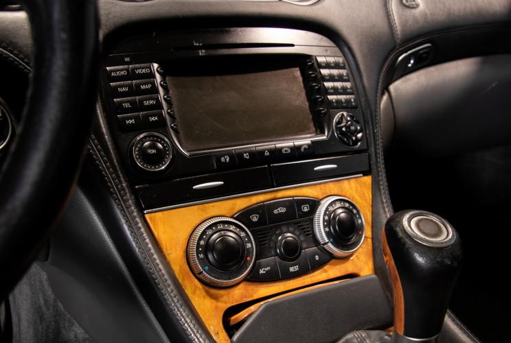 2004 Mercedes-Benz SL500 25
