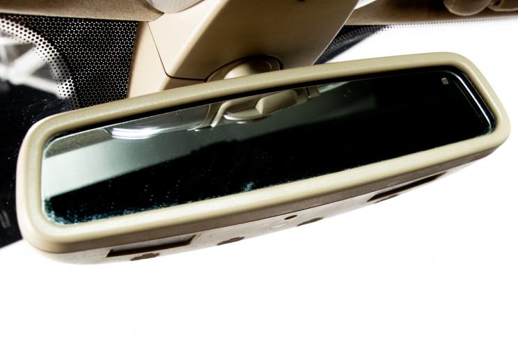 2004 Mercedes-Benz SL500 37