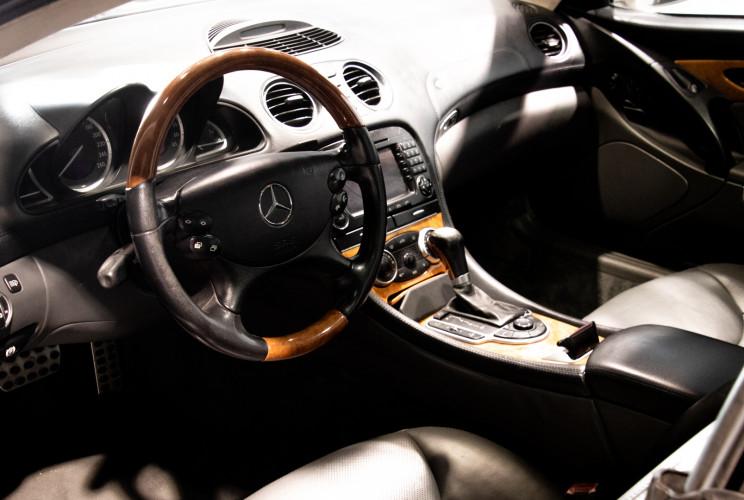 2004 Mercedes-Benz SL500 43