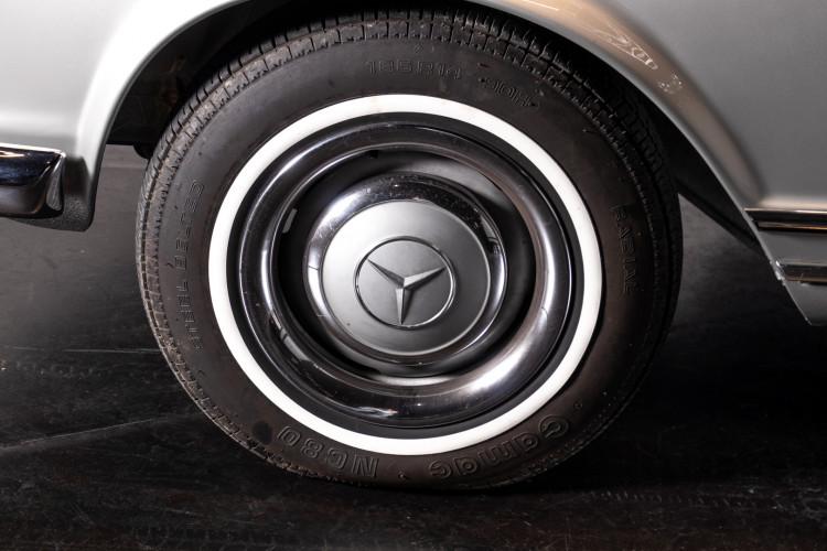 "1966 Mercedes-Benz 230 SL ""Pagoda"" 8"