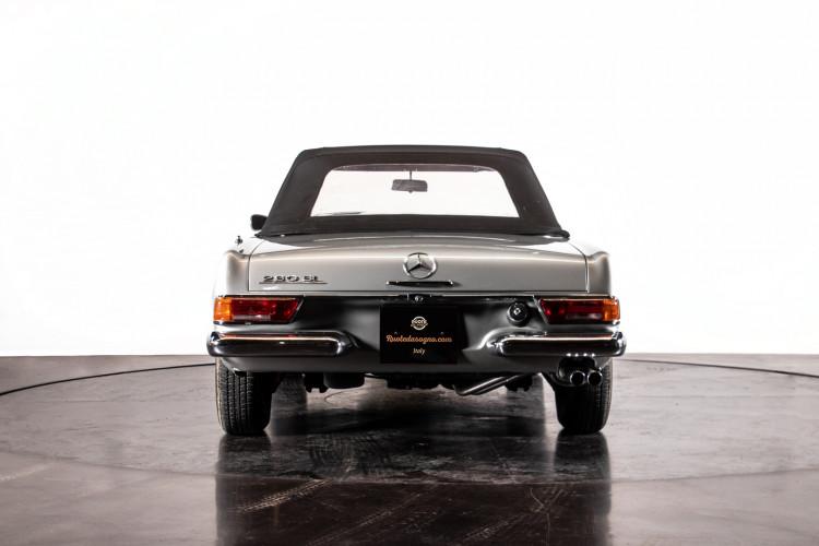 "1966 Mercedes-Benz 230 SL ""Pagoda"" 39"