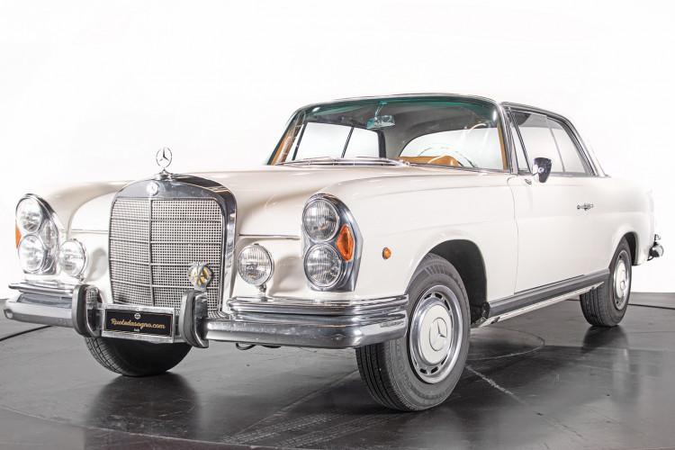 1963 Mercedes-Benz 220 SE 0