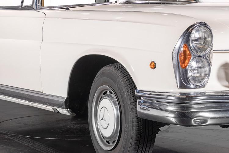 1963 Mercedes-Benz 220 SE 8