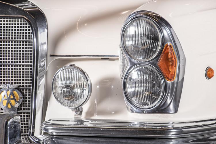 1963 Mercedes-Benz 220 SE 12