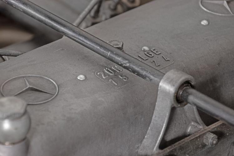 1963 Mercedes-Benz 220 SE 37