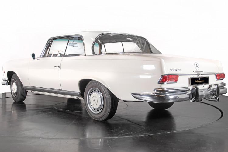 1963 Mercedes-Benz 220 SE 4