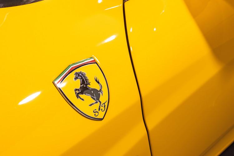 """2001 Ferrari 360 Spider """"Manuale"""" 22"""