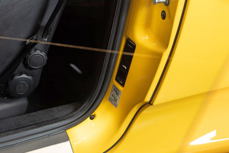 """2001 Ferrari 360 Spider """"Manuale"""" 33"""