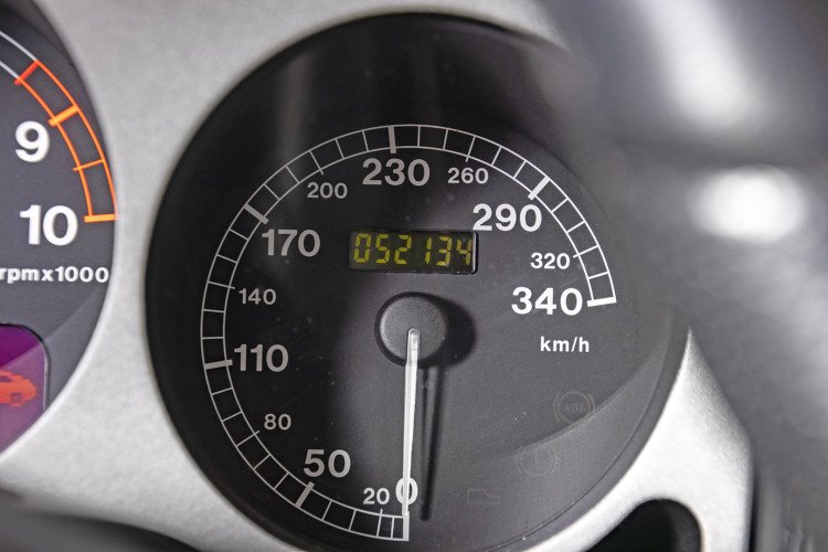 """2001 Ferrari 360 Spider """"Manuale"""" 39"""