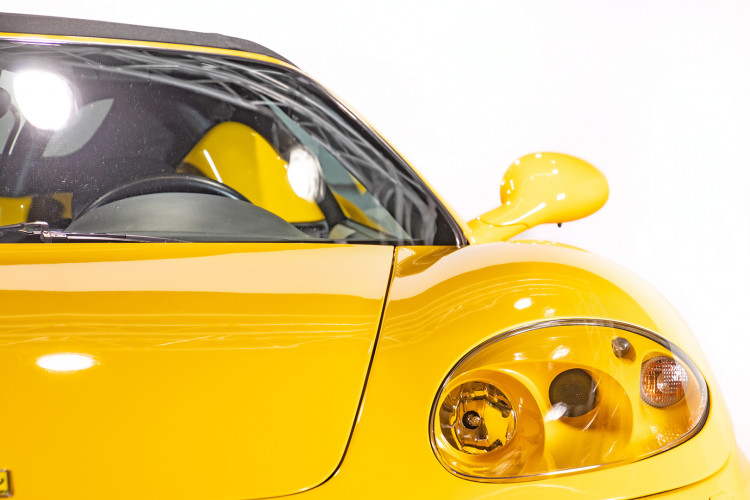 """2001 Ferrari 360 Spider """"Manuale"""" 16"""