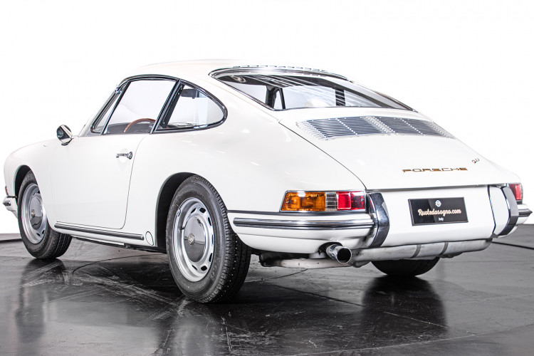 "1966 Porsche 911 2.0 L - S.W.B. ""Serie 0"" 2"