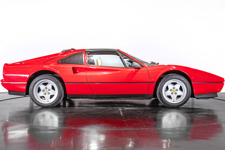 1986 Ferrari 328 GTS 3