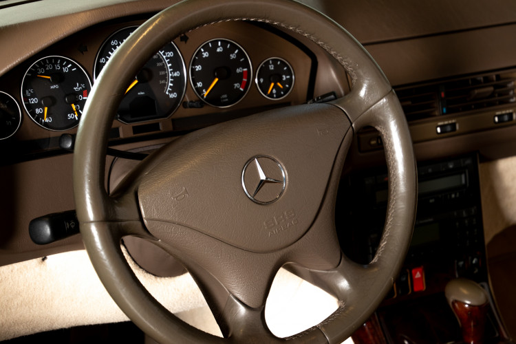 2000 Mercedes-Benz SL500 22