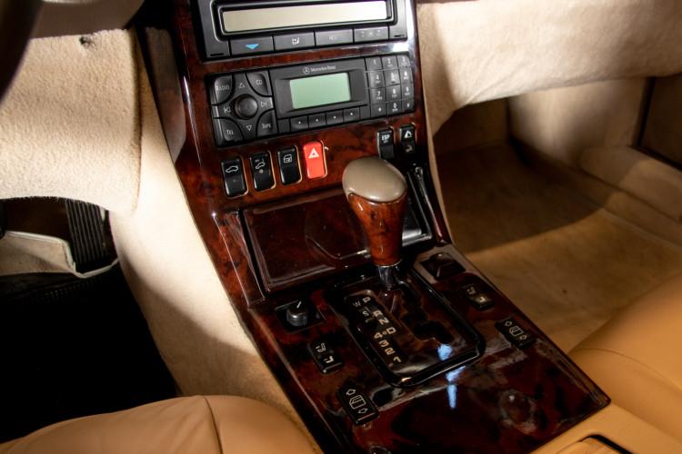 2000 Mercedes-Benz SL500 42