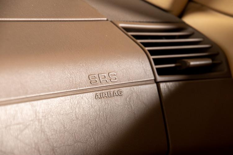 2000 Mercedes-Benz SL500 36