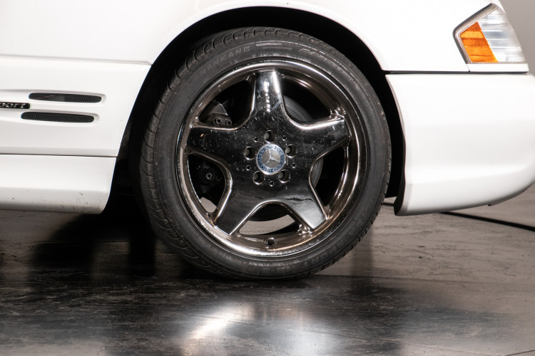 2000 Mercedes-Benz SL500 7