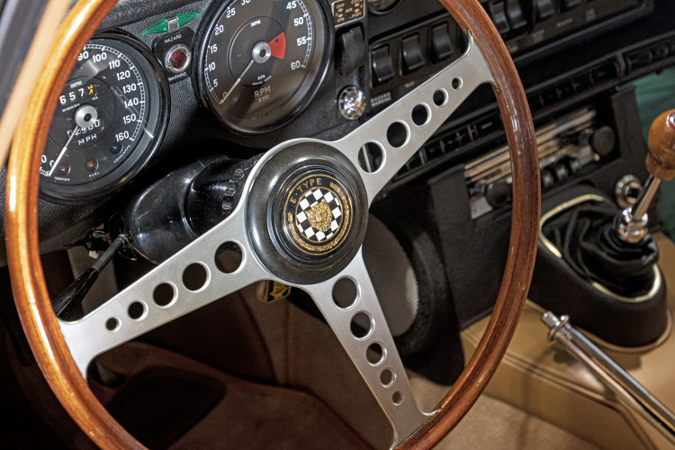 1969 JAGUAR E-TYPE COUPè 9