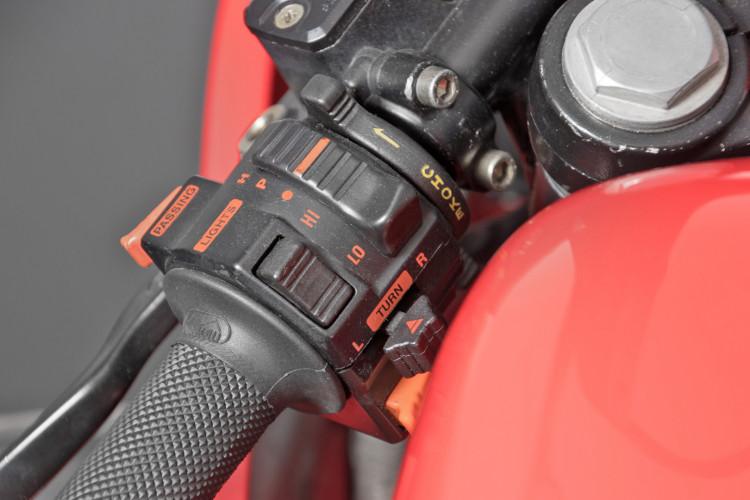 1990 Ducati 900 SuperSport 10
