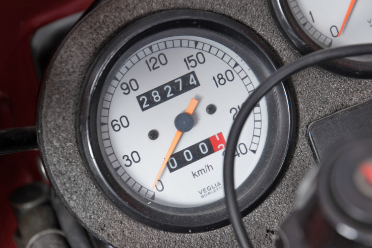 1990 Ducati 900 SuperSport 13