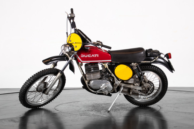 1976 DUCATI 125 11