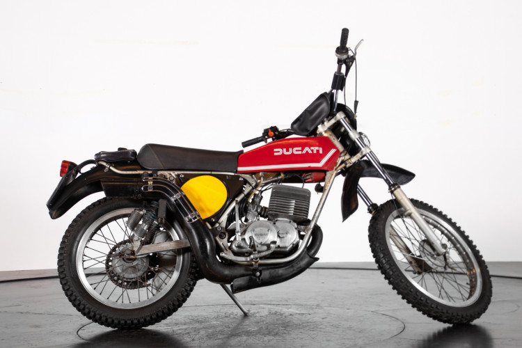 1976 DUCATI 125 2