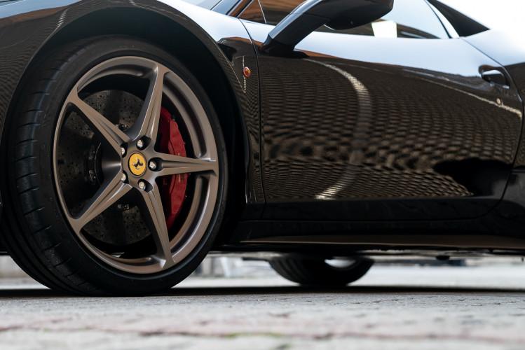 2010 Ferrari 458 Italia DCT 9