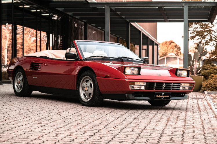 1990 Ferrari Mondial 3.4 T Cabriolet 9