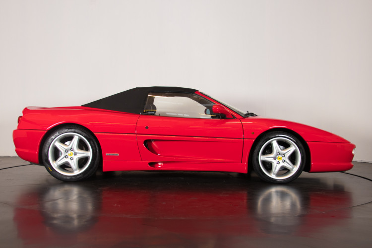 1996 Ferrari F355 spider 11