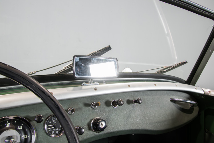 1960 AUSTIN-HEALEY SPRITE FROG EYE 32