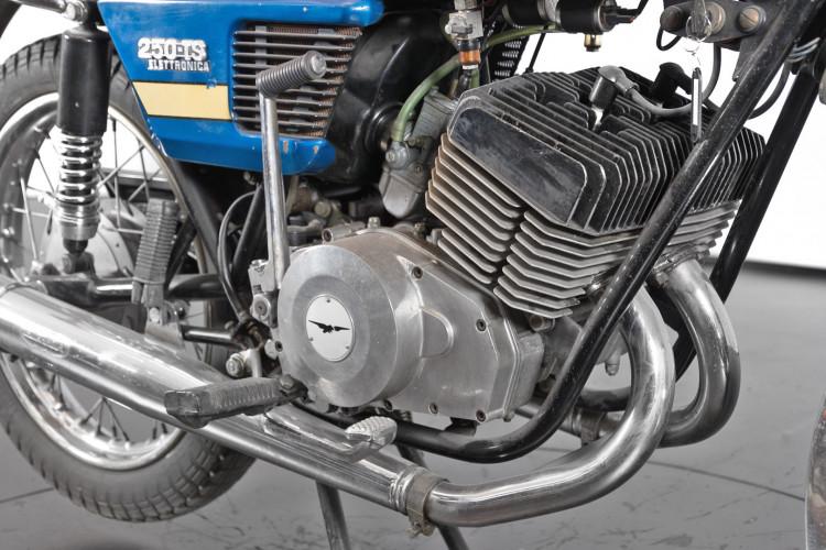 1976 Moto Guzzi 250 2C 2T 4