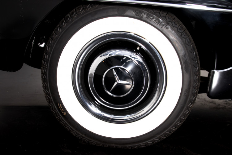 1961 Mercedes-Benz 190 SL 9