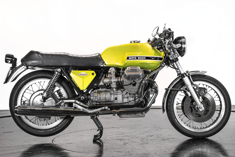 1972 Moto Guzzi V7 Sport 1