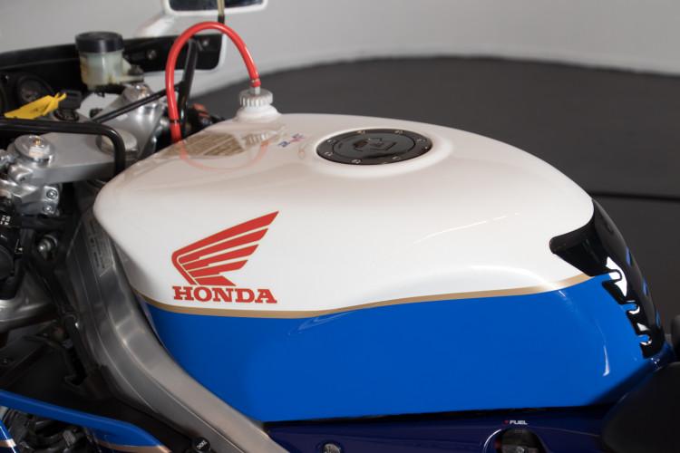 1992 Honda RC 30 5