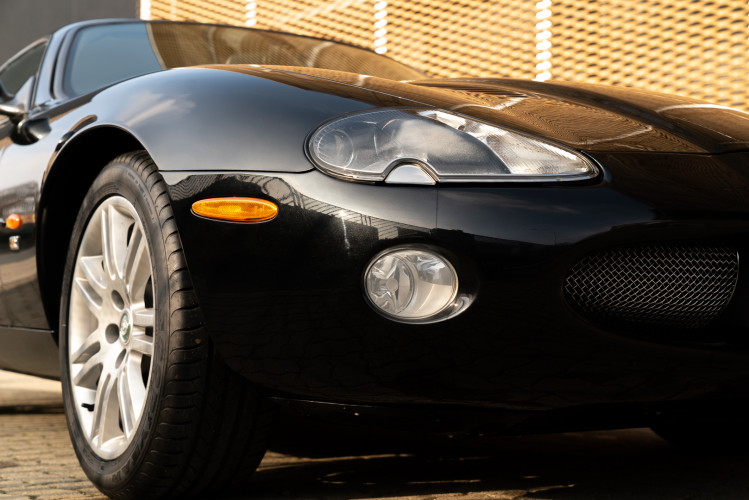 2002 Jaguar 4.2 XKR Coupé 1