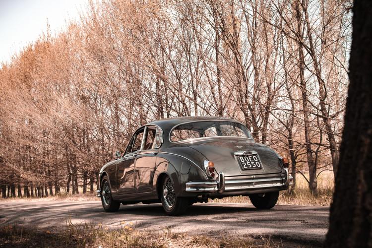 1961 Jaguar MK2 3.8 10