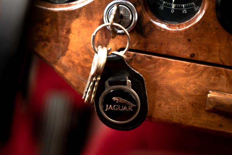1955 Jaguar XK140 FHC SE 18
