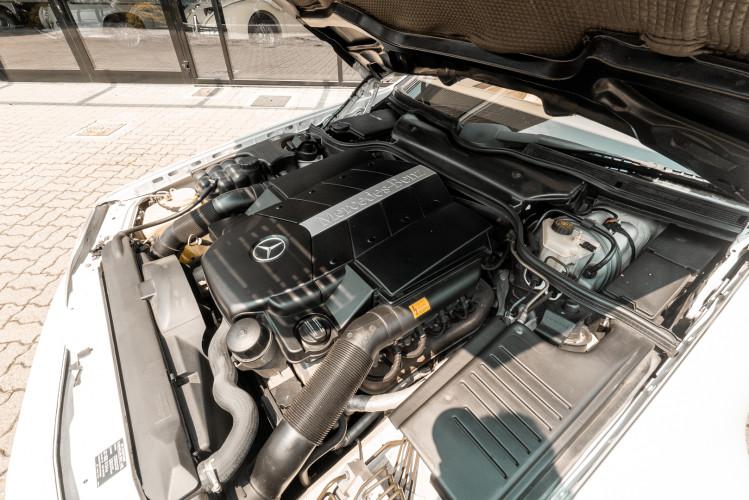 2000 Mercedes-Benz SL500 39