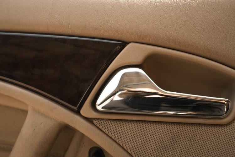 2000 Mercedes-Benz SL500 29