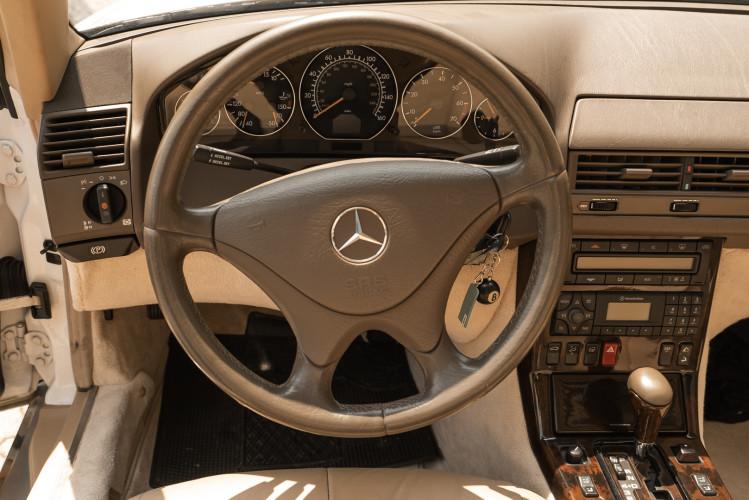 2000 Mercedes-Benz SL500 33