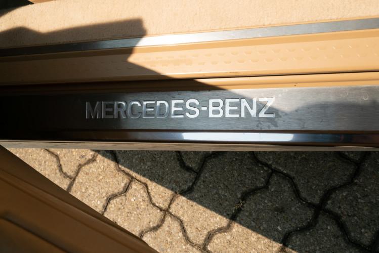 2000 Mercedes-Benz SL500 34