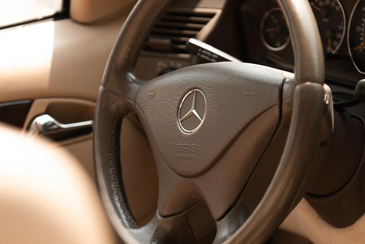 2000 Mercedes-Benz SL500 23
