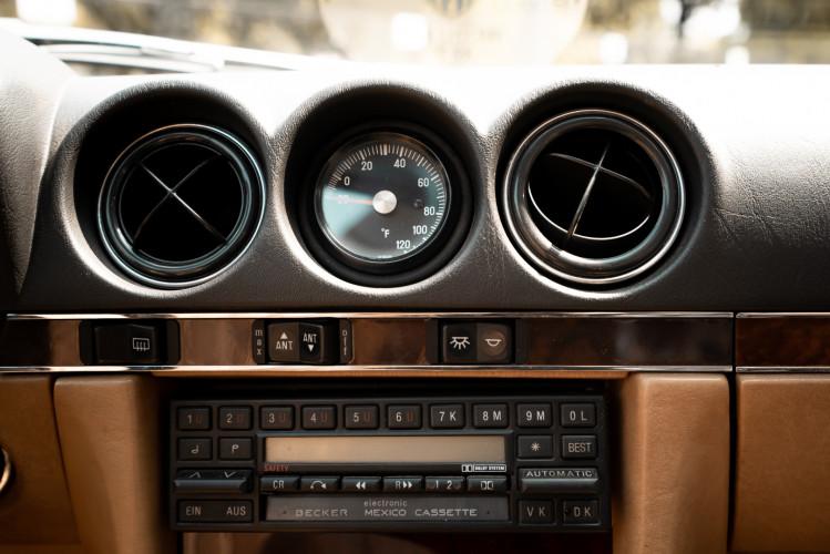 1985 Mercedes-Benz SL 560 18