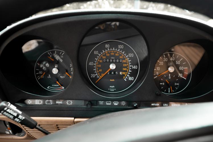1985 Mercedes-Benz SL 560 26