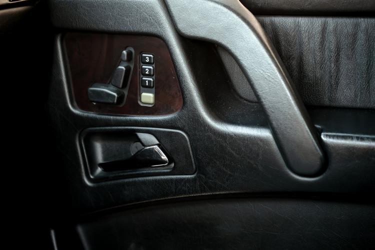 2003 Mercedes-Benz G400 V8 CDI 41