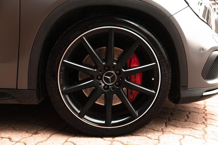 2015 Mercedes-Benz GLA AMG 45 11