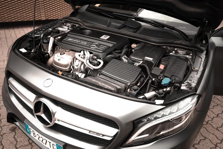 2015 Mercedes-Benz GLA AMG 45 37